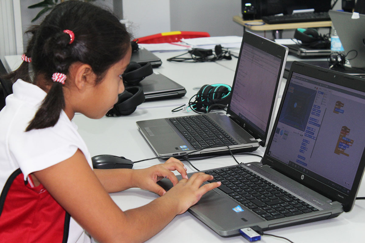 Girl-Learning-Coding-School-of-Coding